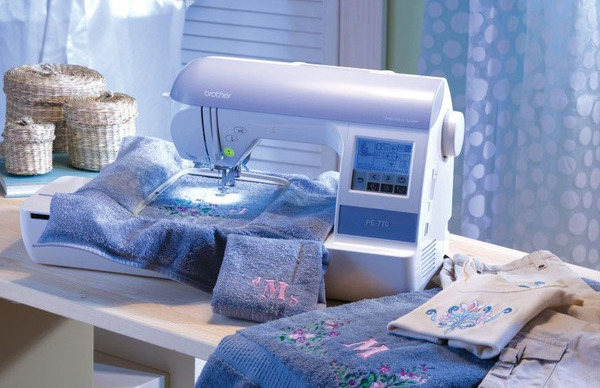 Brother PE770 5x7 Embroidery Machine +17 Extras $940 Values USB Sticks, Optional Full Disney/Frozen Designs Collections on iBroidery.comnohtin