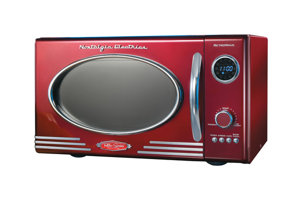 Nostalgia Electrics RMO400RED Retro Series 0.9-Cubic Foot Microwave Oven, Red