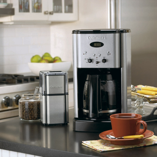 Cuisinart DCC-1200 Brew Central 12-Cup Programmable Coffeemakernohtin