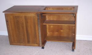 Delta 361 USA Series Small Oak Sewing Console