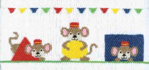 Cross-eyed Cricket  Monkey Basic Shapes #132 Smocking Plate