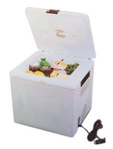 Koolatron P27 Voyager Cooler (12V), 29 Quart Capacity
