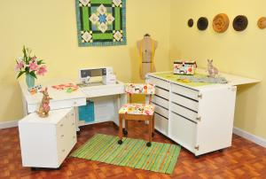 Kangaroo Kabinets from Arrow Kangaroo & Joey Studio,  White, Dingo, Chair - Ready to Assemble