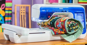 Brother VM6200D Seminar DreamWeaver XE Sewing Quilting 7x12 Embroidery Machine, 12 Extras, 3pc Bag Set, 1000 Designs CD's, 0% Financing