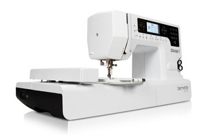 "Bernina Bernette Chicago 7, 200-Stitch Sewing +4.3x7"" Embroidery Module Machine USB, 100 Designs, Thread Sensor, Needle Threader, Sew Contempo*"