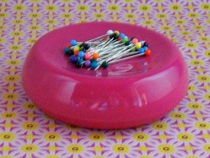 Blue Feather 710RAS GB-RB Grabbit Magnetic 50 Pin Cushion, Raspberry