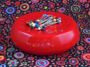 Blue Feather 7104R GB-R Grabbit Magnetic Cushion Red, +50 Pins