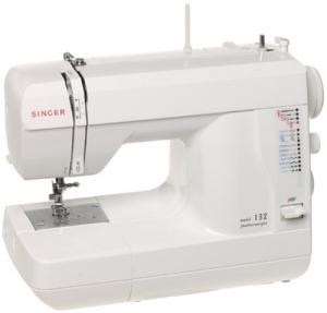 Singer 132Q Featherweight 20-Stitch Compact Sewing & Quilting Machine with Balanced Buttonholes 14 Lbs - BRAND NEW