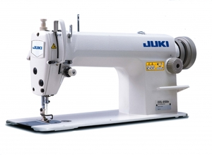 Juki DDL-8100 Straight Lockstitch Industrial Sewing Machine/Power Stand, Servo Motor. 4500SPM