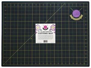 86026: Tula Pink TPCUTMAT Tula Pink Black and Gold Cutting Mat