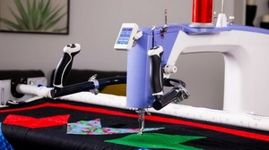 "Grace Q'nique Q19"" Longarm Quilting Machine + Grace Q-Zone 4.5' or 54"" Hoop Frame Adjustable + Luminess 5' Light Bar + $297 Accessories March 2021"
