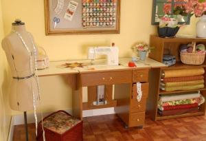 Arrow 98900 Auntie Em Oakly Air Lift Platform Sewing Machine Cabinet Oak