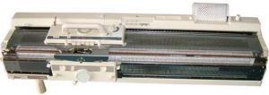 26736: Artisan KH868 4.5mm 200 Needle Punch Card Knitting Machine+KR850 Ribber