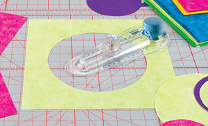 "Grace TC8CC TrueCut 18mm Long, 360° Circle and Curves Cutter Device, Cuts from 2"" to 12"" Circles"
