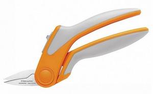 Fiskars F190600 Easy Action Rag Quilt Snips 8in Tabletop cutting