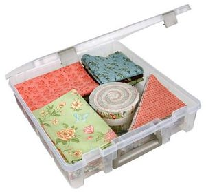 "ArtBin 6955AB Super Satchel Clear Box, One Large Compartment 15x14x3.5"" for Fabric Blocks, Patterns, Fat Quarters, Pinwheels"