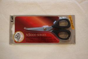 56562: Kai Scissor N5135C 5 1/2'' Curved Blade Sewing Scissors, Thread Trimmer