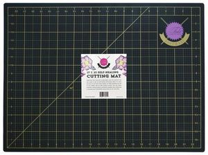 86026: Tula Pink TPCUTMAT Tula Pink Black and Gold Cutting Mat