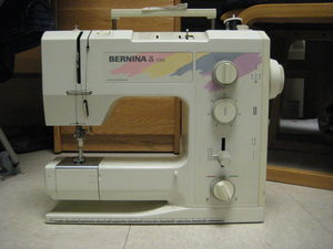 89542: Bernina B1010 Refurbished 17 Stitch Best Mechanical Sewing Machine, Buttonhole, Drop Feed