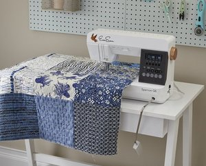 "89940: EverSewn Sparrow QE Quilter's Edition Sewing Quilting Machine, 8"" Arm, 8pc quilting Feet Kit"